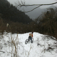 雪のダウンヒル(人)