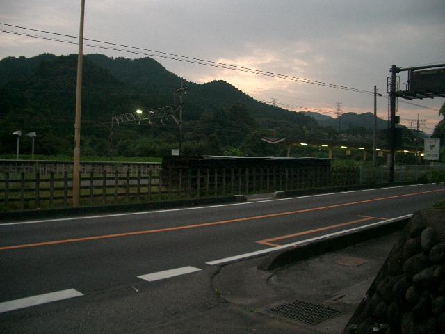 武蔵横手駅前